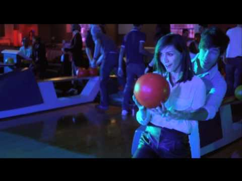 Bowlmor Lanes - Bowl the Perfect First Date